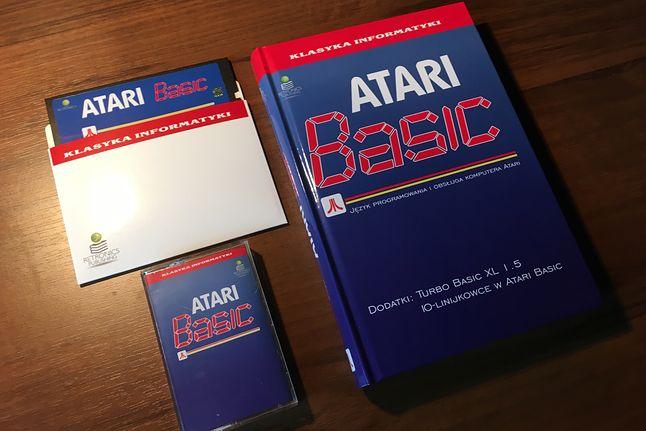 Jedna z reedycji Retronics: kultowa książka Atari Basic z kasetą i dyskietką