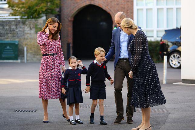 """Księżna Kate chce, by jej dzieci miały """"normalne dzieciństwo"""""""