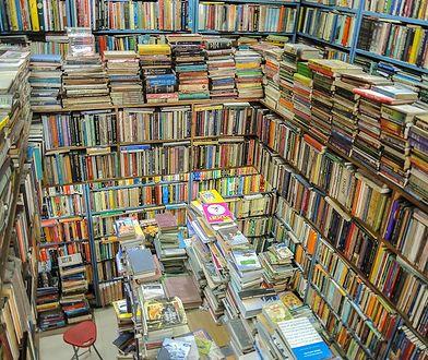 Warszawa. Z bibliotek na ulice. Poczytamy w miejskiej przestrzeni