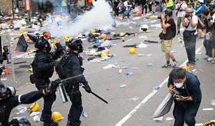 Chińska armia ostrzegła protestujących