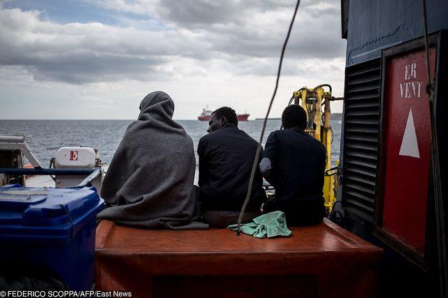 Francja miała przyjąć imigrantów ze statku. Wycofała się z umowy