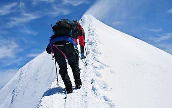 Spektakularne deptanie Mont Blanc