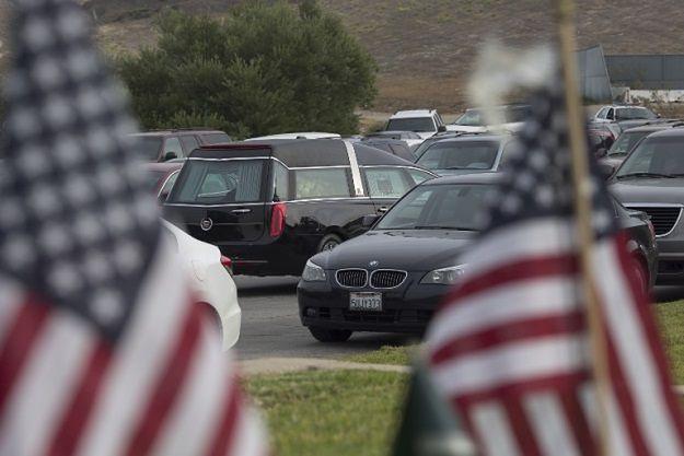 1,5 miliona zabitych i łzy prezydenta. USA ograniczają dostęp do broni palnej