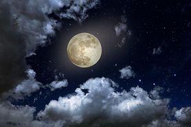 Piątek 13-tego. Czeka nas niezwykła pełnia Księżyca Żniwiarzy. Jak wpłynie na ciało i umysł? Kolejna taka noc za 40 lat!