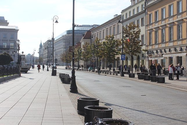 Deptak wraca na Nowy Świat i Krakowskie Przedmieście. Ulica tylko dla pieszych i rowerzystów