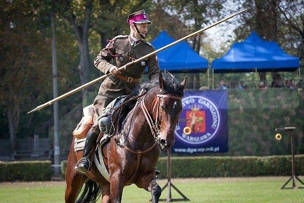 Święto Kawalerii Polskiej 2015. Zaprezentuje się ponad 150 jeźdźców
