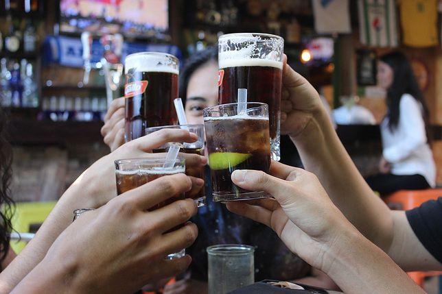 Piątkowe wyjście na imprezę może się skończyć wysokim mandatem