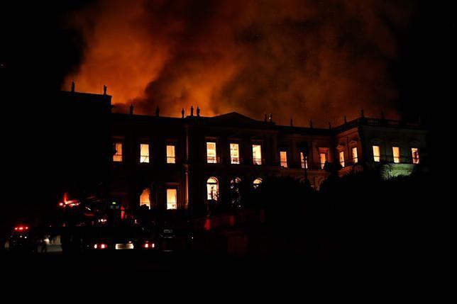 Wielki pożar brazylijskiego Muzeum Narodowego. Gigantyczny meteoryt przetrwał