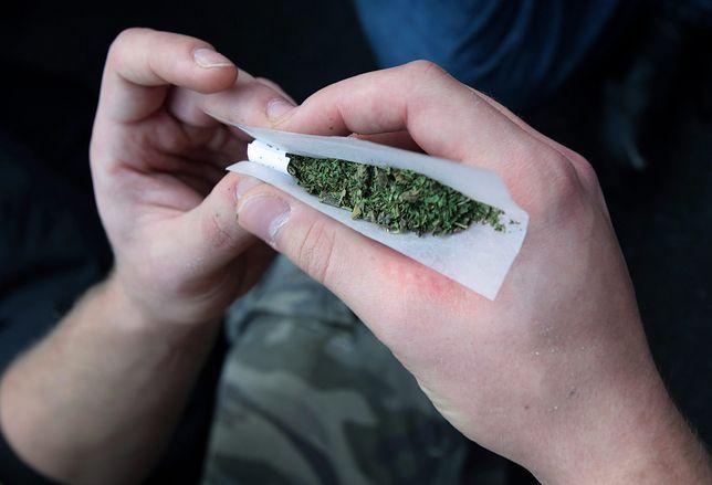 Warszawa. Lokatorzy w mieszkaniu palili marihuanę [zdj. ilustracyjne]
