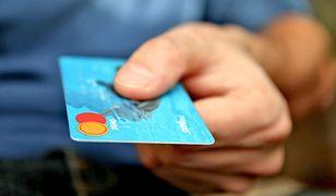 Co robić, gdy znajdzie się cudzą kartę płatniczą?