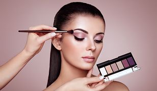 Paleta cieni do powiek to zestaw idealnie pasujących kolorów - pomoże stworzyć piękny makijaż
