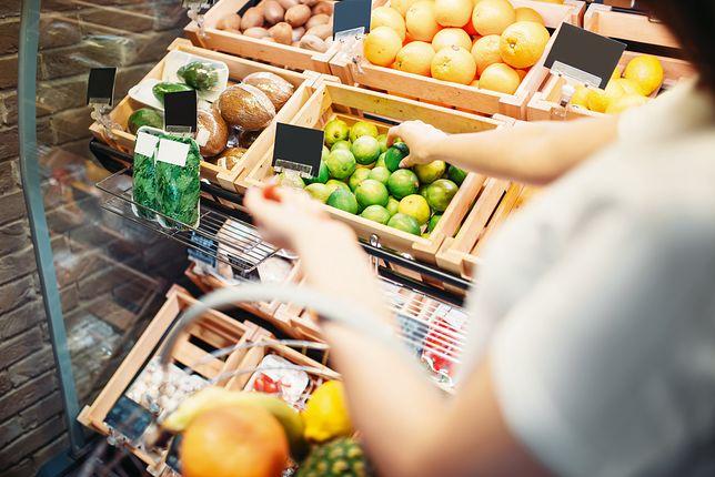 Światowa Organizacja Zdrowia zaleca, by każdego dnia spożywać przynajmniej pięć porcji warzyw i owoców