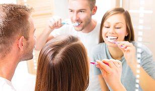 Mity dotyczące higieny jamy ustnej. Te błędy popełniamy wszyscy