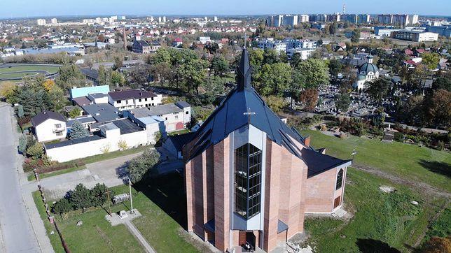 Koronawirus w Polsce. Proboszcz z Radomia zakażony. Dezynfekcja kościoła