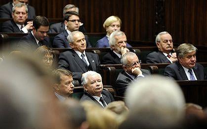 Sejm skierował do komisji cztery projekty ws. finansowania partii