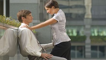 Wazeliniarstwo i seks z szefem. Sposób na sukces, ale na krótko