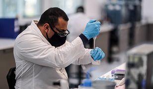Koronawirus. Czołowy wirusolog Niemiec: Nieprędko zrzucimy maski (zdjecie ilustracyjne)