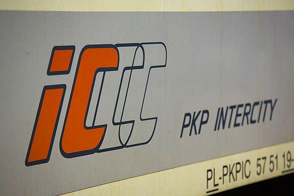 PKP Intercity z rozkładem nie po drodze. Ma najbardziej spóźnialskie pociągi