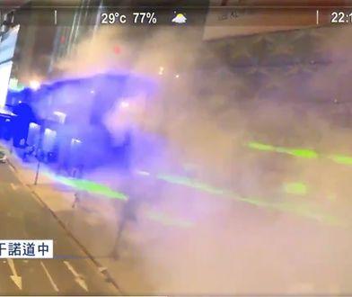 Protestujący w Hongkongu używają laserów, by zmylić kamery