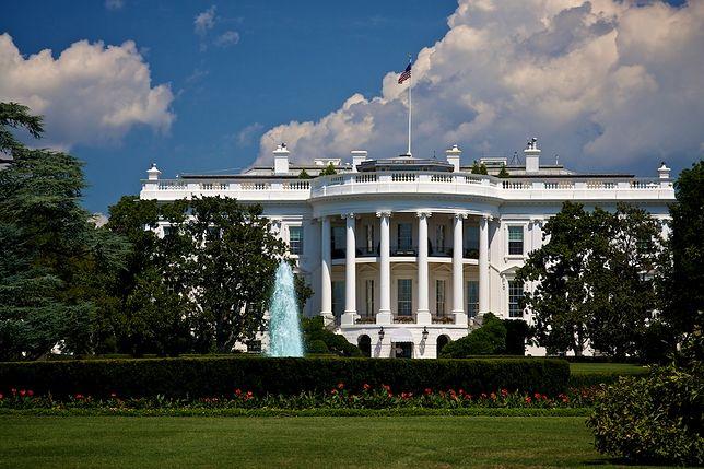 Biały Dom został otoczony i odizolowany przez tajemniczą paczkę znalezioną w pobliżu