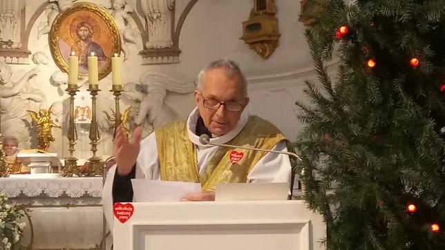 """Ks. Wojciech Drozdowicz to były misjonarz, współtwórca fundacji """"AKogo?"""" i zwolennik WOŚP"""
