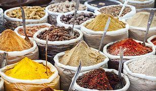 Przyprawy korzenne, które wzmacniają smak dań