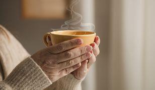 Kawa czy herbata? Co jest lepsze o poranku?