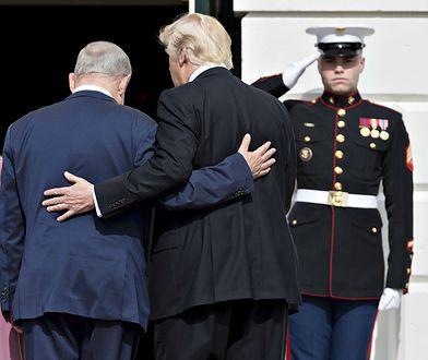 Biały Dom. Premier Izraela Benjamin Nethanjahu (z lewej) oraz prezydent USA Donald Trump