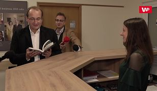 Robert Górski miał dla Jarosława Kaczyńskiego prezent. Przyszedł do biura PiS