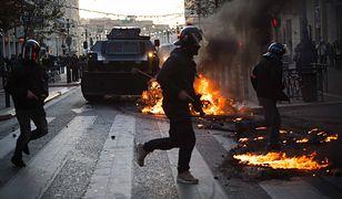 Gaz łzawiący i armatki wodne we Francji. Do akcji wkroczyły oddziały szturmowe