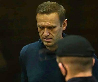 """Nawalny w szpitalu. Współpracownik: """"To obóz tortur"""""""