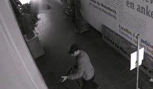 Kadr z filmu, który udostępniła belgijska policja