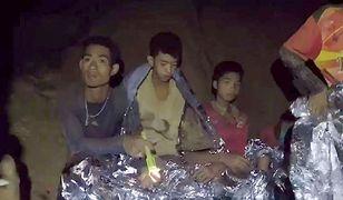 12 chłopców uwięzionych w jaskini. Polscy nurkowie oferują pomoc