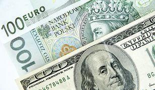 Analitycy: w piątek złoty zyskał do dolara i euro