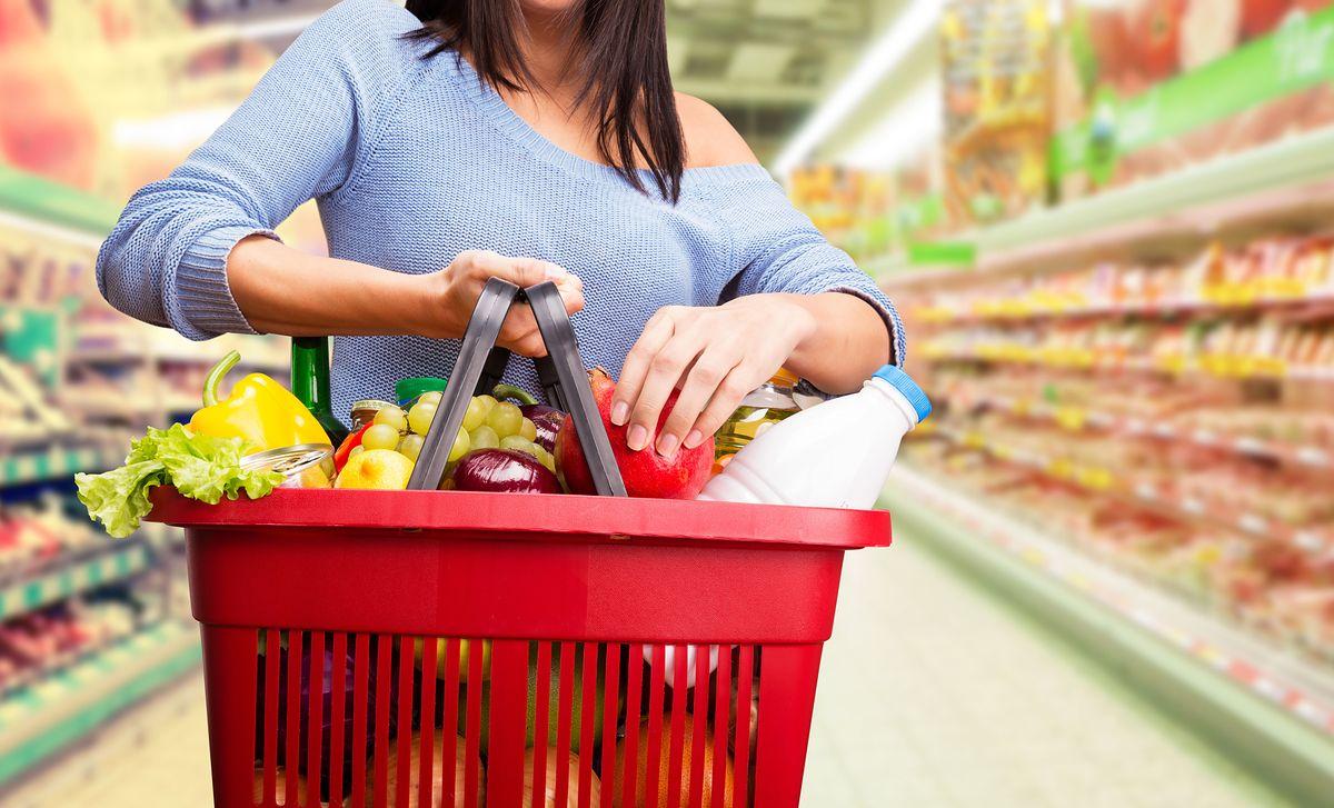 Jedzenie marnujemy na potęgę. Każdy z nas wyrzuca rocznie ponad 30 kg warzyw i owoców