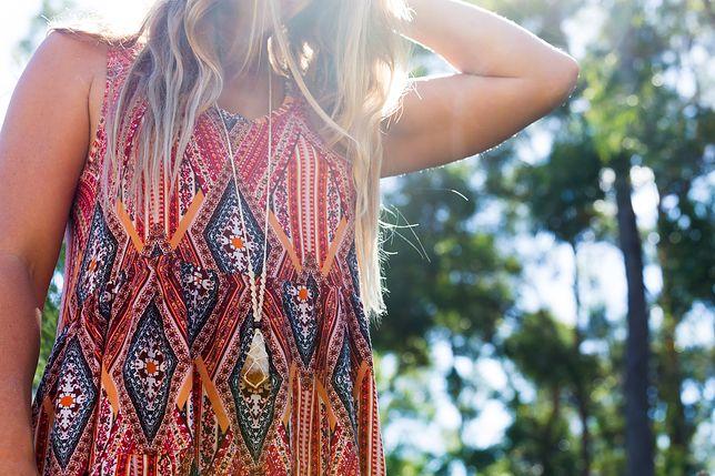 Etniczne sukienki do 300 zł – wybieramy najlepsze