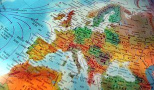 Bruksela zapewnia osiemnastolatkom bezpłatną podróż po UE