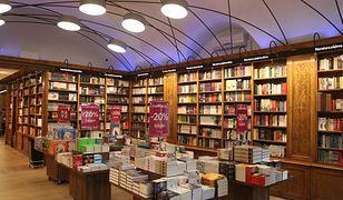 Książki sprzedawano tu już w 1610 r. W nowej odsłonie najstarszej księgarni w Polsce nie kupisz płyt ani skarpet, ma być tradycyjnie