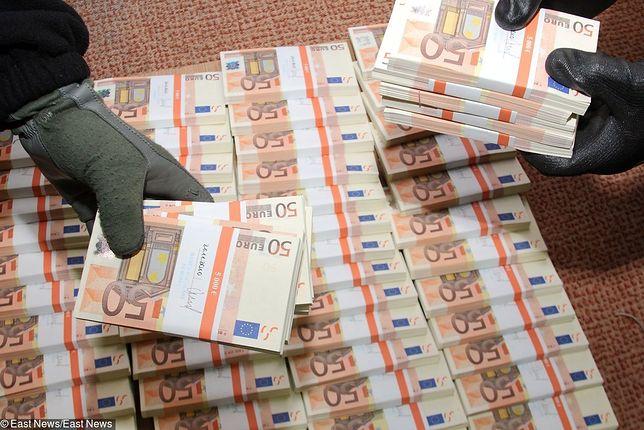 Banknoty są coraz lepiej zabezpieczone, co sprawia, że przestępcy ryzykują wpadkę