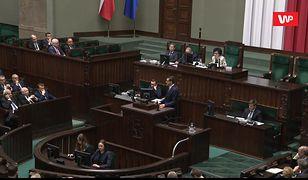 Pierwsze posiedzenie Sejmu. Elżbieta Witek dwukrotnie przerwała Mateuszowi Morawieckiemu