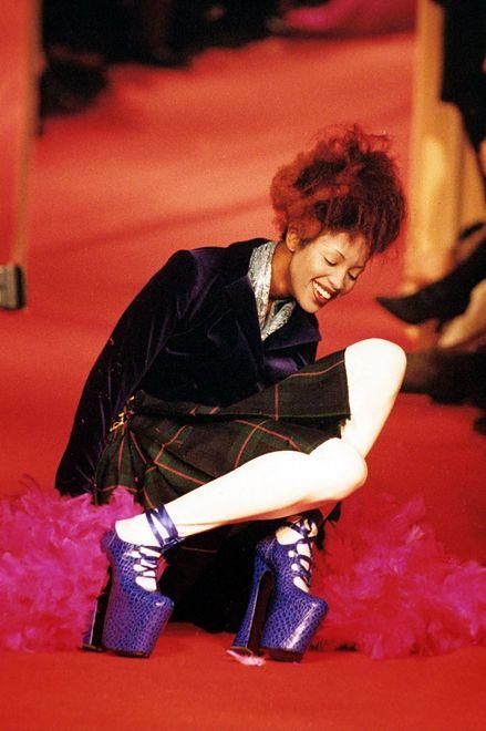 Naomi Campbell na wybiegu Vivienne Westwood