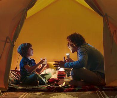 Dzieciństwo bliskości, czyli tata w domu. Jak mężczyźni spędzają czas z dziećmi?