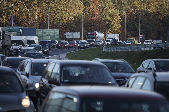 Warszawa. Wypadek na Trasie Siekierkowskiej