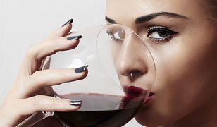 Nadmiar wina, cukru czy mleka od razu widać na twojej twarzy!