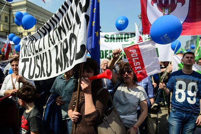 """""""Marsz Wolności"""". Organizatorzy: Ponad 100 tys. osób. Ratusz: 90. Policja: 12 tysięcy"""