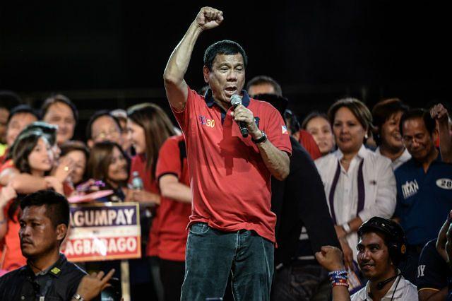 Rodrigo Duterte na wiecu wyborczym