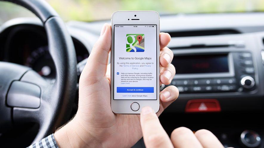 Mapy Google z nową funkcją teraz także na iPhone'ach. (depositphotos)