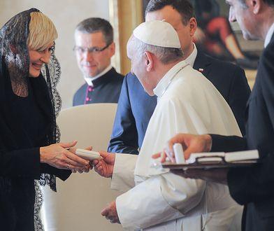 Piękny gest pierwszej damy. Poprosiła papieża o niezwykłe wsparcie