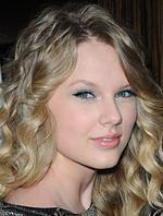 "Taylor Swift pije krew w ""Vampire Diaries"""