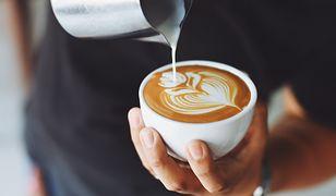 Puszysta pianka do kawy i nie tylko. Jakie spieniacze do mleka wybrać?